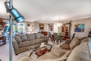 """Photo 3: 205 20391 96 Avenue in Langley: Walnut Grove Townhouse for sale in """"CHELSEA GREEN"""" : MLS®# R2329214"""