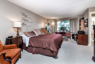 """Photo 13: 205 20391 96 Avenue in Langley: Walnut Grove Townhouse for sale in """"CHELSEA GREEN"""" : MLS®# R2329214"""