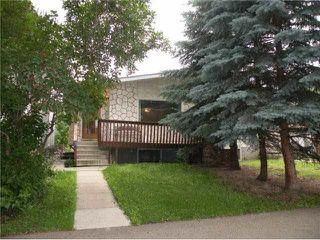 Photo 2: 10206 90 Street in Edmonton: Zone 13 House Half Duplex for sale : MLS®# E4139923