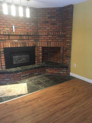 Photo 5: 10206 90 Street in Edmonton: Zone 13 House Half Duplex for sale : MLS®# E4139923