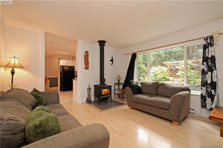 Photo 2: 2194 Phillips Rd in SOOKE: Sk Sooke Vill Core Half Duplex for sale (Sooke)  : MLS®# 804621