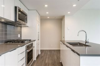 """Photo 5: 2205 3100 WINDSOR Gate in Coquitlam: New Horizons Condo for sale in """"THE LLOYD"""" : MLS®# R2343415"""