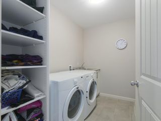 """Photo 15: 4 4910 CENTRAL Avenue in Delta: Hawthorne Townhouse for sale in """"CENTRAL PARK"""" (Ladner)  : MLS®# R2355391"""