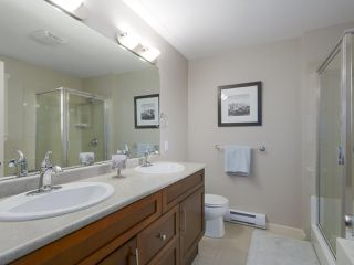 """Photo 11: 4 4910 CENTRAL Avenue in Delta: Hawthorne Townhouse for sale in """"CENTRAL PARK"""" (Ladner)  : MLS®# R2355391"""