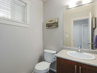 """Photo 8: 4 4910 CENTRAL Avenue in Delta: Hawthorne Townhouse for sale in """"CENTRAL PARK"""" (Ladner)  : MLS®# R2355391"""