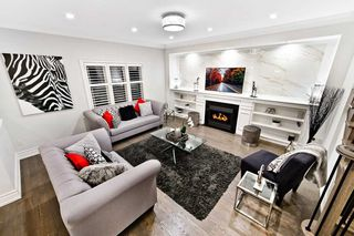 Photo 3: 111 Nahani Way in Mississauga: Hurontario House (2-Storey) for sale : MLS®# W4422765