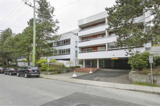 "Main Photo: 304 250 W 1ST Street in North Vancouver: Lower Lonsdale Condo for sale in ""CHINOOK HOUSE"" : MLS®# R2361862"