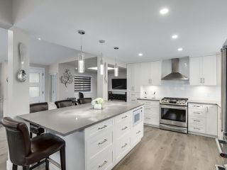 """Photo 8: 510 SUNDANCE Court in West Vancouver: Park Royal Manufactured Home for sale in """"Capilano River Park"""" : MLS®# R2368019"""