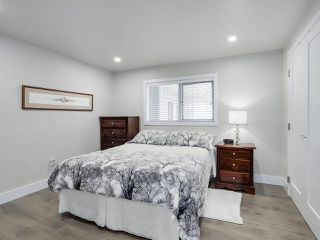 """Photo 13: 510 SUNDANCE Court in West Vancouver: Park Royal Manufactured Home for sale in """"Capilano River Park"""" : MLS®# R2368019"""