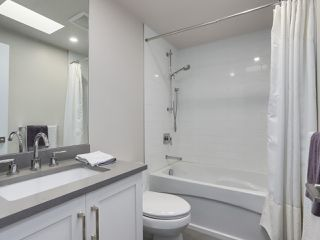 """Photo 18: 510 SUNDANCE Court in West Vancouver: Park Royal Manufactured Home for sale in """"Capilano River Park"""" : MLS®# R2368019"""