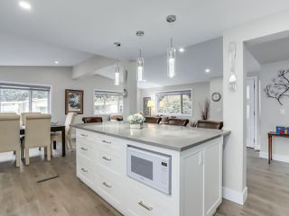"""Photo 10: 510 SUNDANCE Court in West Vancouver: Park Royal Manufactured Home for sale in """"Capilano River Park"""" : MLS®# R2368019"""