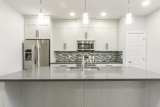 Photo 8:  in Edmonton: Zone 01 House Half Duplex for sale : MLS®# E4156839