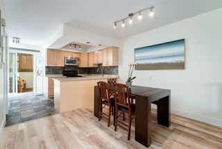 """Photo 4: 10 1266 W 6TH Avenue in Vancouver: Fairview VW Townhouse for sale in """"Camden Court"""" (Vancouver West)  : MLS®# R2372373"""