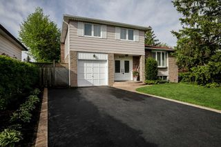 Main Photo: 437 Karen Park Crescent in Mississauga: Mississauga Valleys House (Sidesplit 4) for sale : MLS®# W4472794