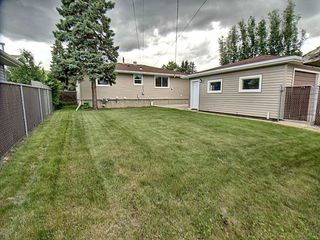 Photo 3: 9627 Ottewell Road in Edmonton: Zone 18 House for sale : MLS®# E4164183