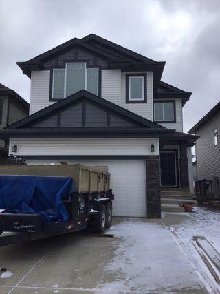 Photo 1: 3015 13 Avenue NW in Edmonton: Zone 30 House for sale : MLS®# E4178803
