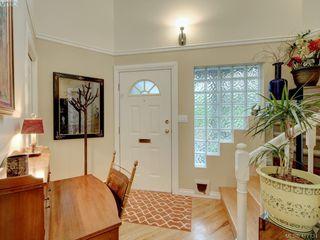 Photo 2: 2592 Empire Street in VICTORIA: Vi Oaklands Half Duplex for sale (Victoria)  : MLS®# 417734