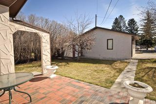 Photo 11: 1916 Home Road NW in Calgary: Montgomery House for sale