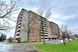 Photo 1: 801 20 William Roe Boulevard in Newmarket: Central Newmarket Condo for sale : MLS®# N4751984