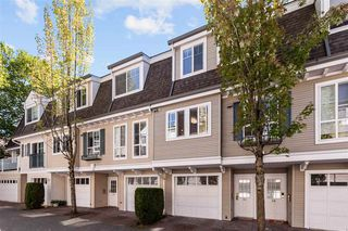 "Photo 2: 31 8930 WALNUT GROVE Drive in Langley: Walnut Grove Townhouse for sale in ""HIGHLAND RIDGE"" : MLS®# R2494329"