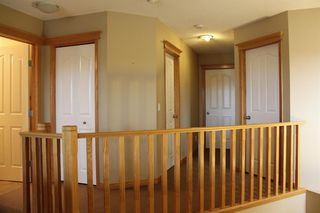 Photo 16: 50 Cresthaven View SW in Calgary: Crestmont Detached for sale : MLS®# A1038228