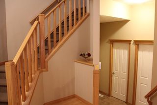 Photo 4: 50 Cresthaven View SW in Calgary: Crestmont Detached for sale : MLS®# A1038228