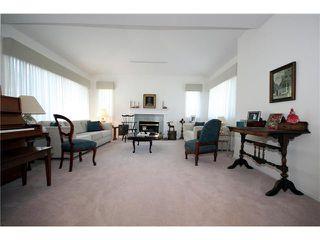 Photo 2: 5678 WELLSGREEN Place in Tsawwassen: Tsawwassen East House for sale : MLS®# V898634