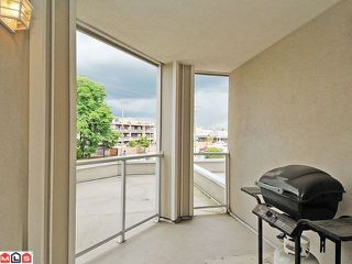 "Photo 10: 205 20120 56 Avenue in Langley: Langley City Condo for sale in ""Blackberry Lane"" : MLS®# F1120563"