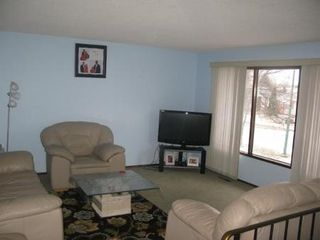 Photo 3: 947 LOUELDA Street in Winnipeg: Residential for sale (Valley Gardens)  : MLS®# 1122769