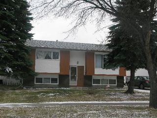 Photo 1: 947 LOUELDA Street in Winnipeg: Residential for sale (Valley Gardens)  : MLS®# 1122769