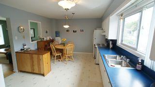 Photo 8: 154 Thom Avenue East in Winnipeg: Transcona Residential for sale (North East Winnipeg)