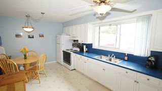 Photo 6: 154 Thom Avenue East in Winnipeg: Transcona Residential for sale (North East Winnipeg)