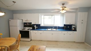 Photo 7: 154 Thom Avenue East in Winnipeg: Transcona Residential for sale (North East Winnipeg)