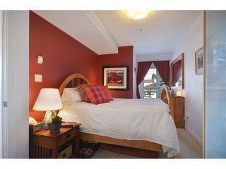 """Photo 5: # 201 702 E KING EDWARD AV in Vancouver: Fraser VE Condo for sale in """"THE MAGNOLIA"""" (Vancouver East)  : MLS®# V934225"""