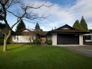 """Photo 1: 5169 WALLACE Avenue in Tsawwassen: Pebble Hill House for sale in """"DEERFIELD"""" : MLS®# V1101570"""