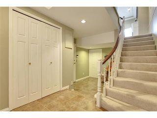 Photo 2: 212 4037 42 Street NW in Calgary: Varsity Village House for sale : MLS®# C3653809