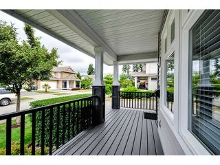 """Photo 2: 3324 148A Street in Surrey: King George Corridor House for sale in """"Maple Wynd"""" (South Surrey White Rock)  : MLS®# F1442937"""
