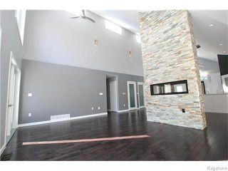 Photo 3: 94 Van Hull Way in WINNIPEG: St Vital Residential for sale (South East Winnipeg)  : MLS®# 1524692