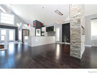 Photo 2: 94 Van Hull Way in WINNIPEG: St Vital Residential for sale (South East Winnipeg)  : MLS®# 1524692