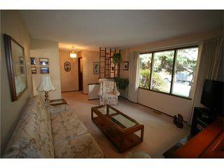 Photo 8: 421 HUNTINGTON Way NE in Calgary: Huntington Hills House for sale : MLS®# C4034997