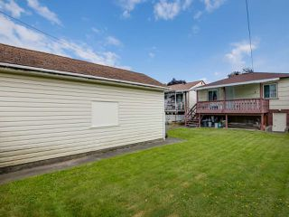 Photo 11: 3232 NAPIER Street in Vancouver: Renfrew VE House for sale (Vancouver East)  : MLS®# R2072671