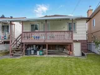 Photo 10: 3232 NAPIER Street in Vancouver: Renfrew VE House for sale (Vancouver East)  : MLS®# R2072671