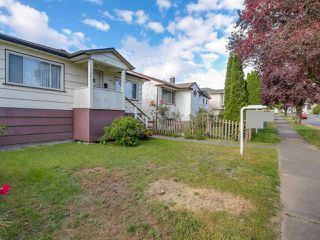 Photo 7: 3232 NAPIER Street in Vancouver: Renfrew VE House for sale (Vancouver East)  : MLS®# R2072671