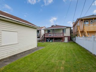 Photo 12: 3232 NAPIER Street in Vancouver: Renfrew VE House for sale (Vancouver East)  : MLS®# R2072671