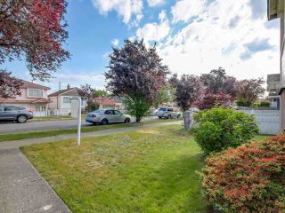 Photo 2: 3232 NAPIER Street in Vancouver: Renfrew VE House for sale (Vancouver East)  : MLS®# R2072671