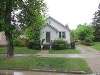 Photo 1: 25 3rd Avenue Southwest in Dauphin: Manitoba Other Residential for sale : MLS®# 1614748