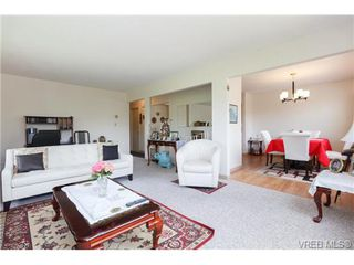 Photo 3: 3141 Blackwood St in VICTORIA: Vi Mayfair Single Family Detached for sale (Victoria)  : MLS®# 734623