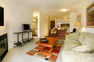"Photo 3: 907 155 W 1ST Street in North Vancouver: Lower Lonsdale Condo for sale in ""Time"" : MLS®# R2086762"