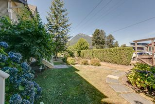 "Photo 3: 10 1800 MAMQUAM Road in Squamish: Garibaldi Estates Townhouse for sale in ""Viressence"" : MLS®# R2102551"