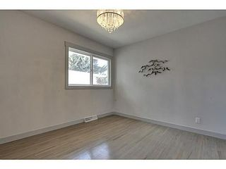 Photo 13: 38 WESTWOOD Drive SW in Calgary: Bungalow for sale : MLS®# C3560165